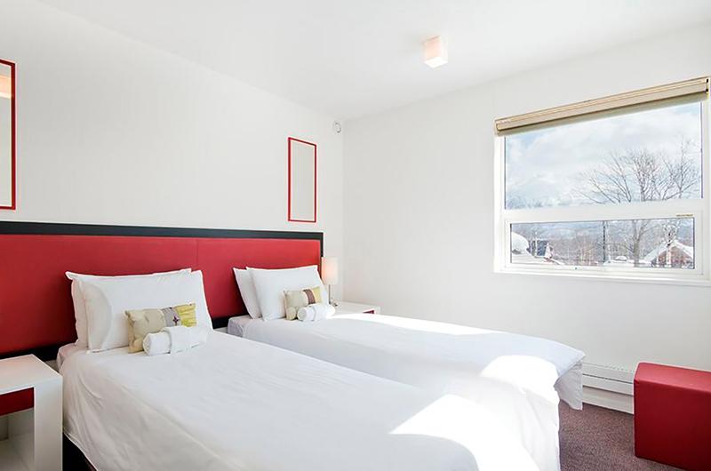 Yamabiko Spacious Twin Bedroom | Hirafu, Niseko