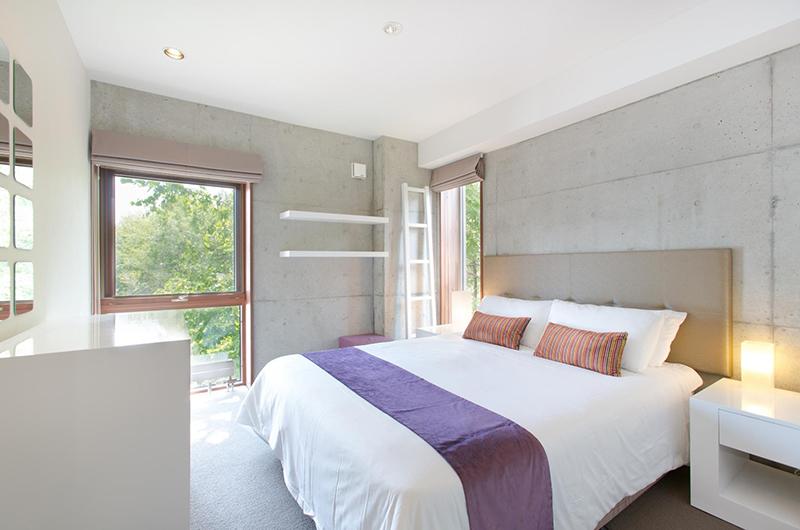 Yuuki Toride Bedroom with Lamp | Hirafu, Niseko