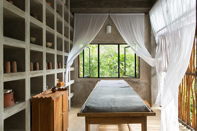 Kadju House Massage Bed | Tangalle, Sri Lanka