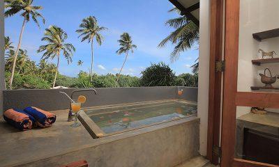Saffron & Blue Bathtub | Kosgoda, Sri Lanka