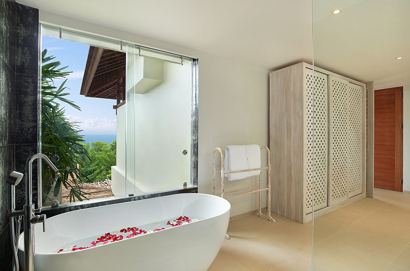 Hidden Hills Villas Villa Grande Bathroom Area | Uluwatu, Bali