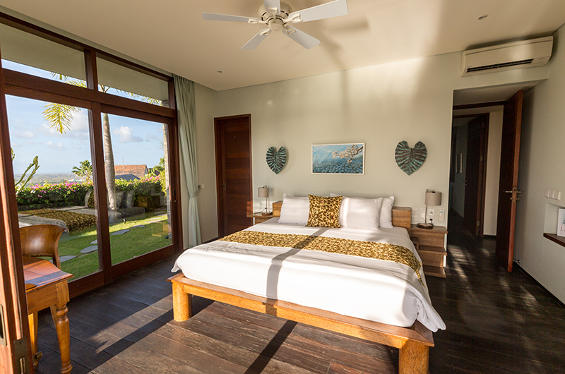 Hidden Hills Villas Villa Raja Bedroom with Seating | Uluwatu, Bali