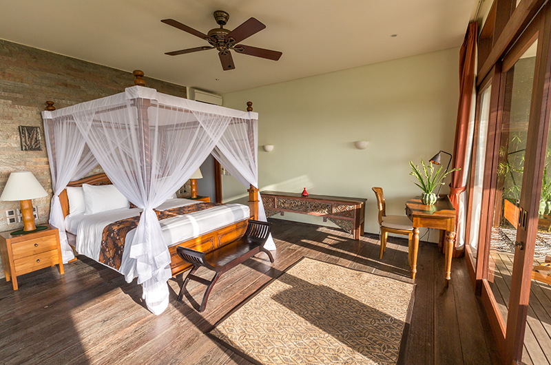 Hidden Hills Villas Villa Raja Bedroom with Study Table | Uluwatu, Bali