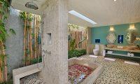 Hidden Hills Villas Villa Santorini Bathroom | Uluwatu, Bali
