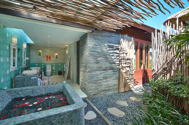 Hidden Hills Villas Villa Sekapa Bathtub | Uluwatu, Bali