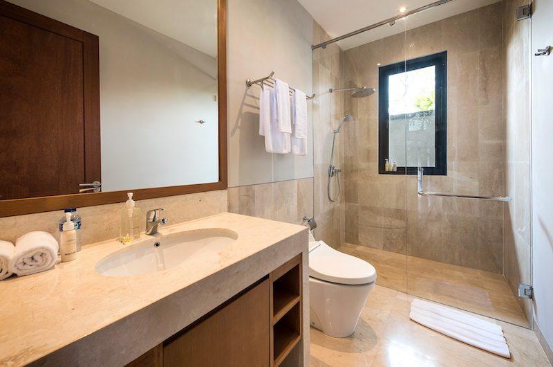 Villa Dewi Lanjar Bathroom One | Ungasan, Bali