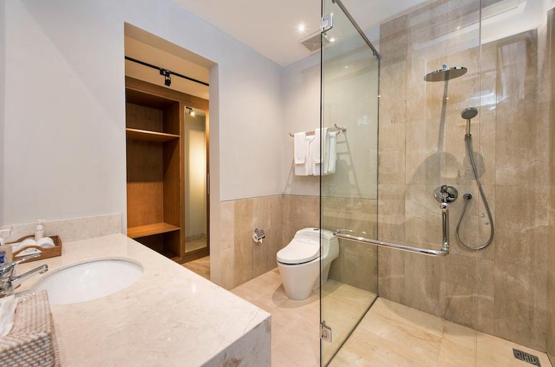 Villa Dewi Lanjar Bathroom Area | Ungasan, Bali