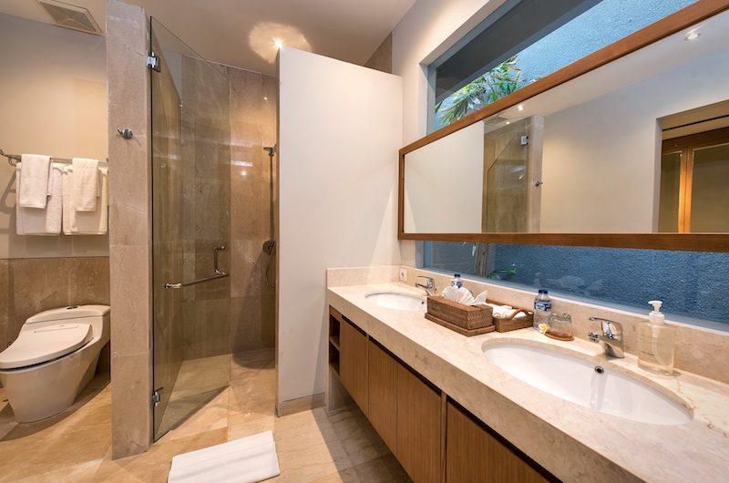 Villa Dewi Lanjar Bathroom | Ungasan, Bali