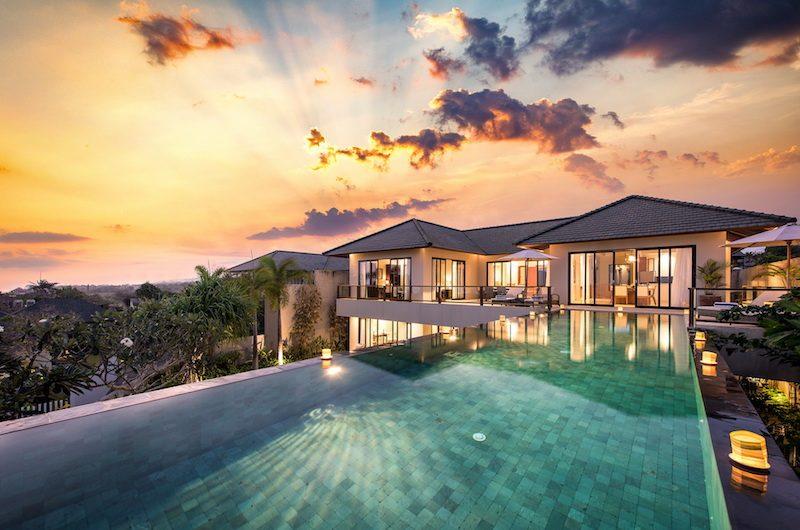 Villa Dewi Lanjar Pool Night View | Ungasan, Bali