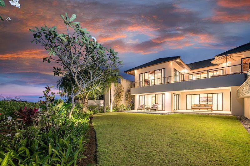 Villa Dewi Lanjar Night View | Ungasan, Bali