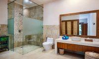 Villa Kembar Bathroom | Ubud, Bali