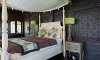 Villa Keong Bedroom with Lamps | Tabanan, Bali