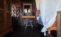 Villa Keong Study Table | Tabanan, Bali