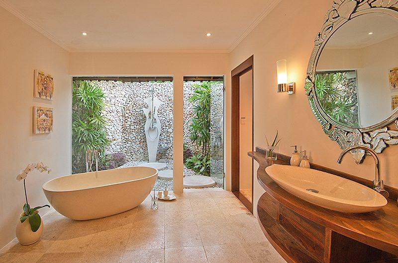Villa Kubu 5 Bathtub | Seminyak, Bali