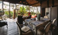 Villa Laut Dining Table | Tabanan, Bali