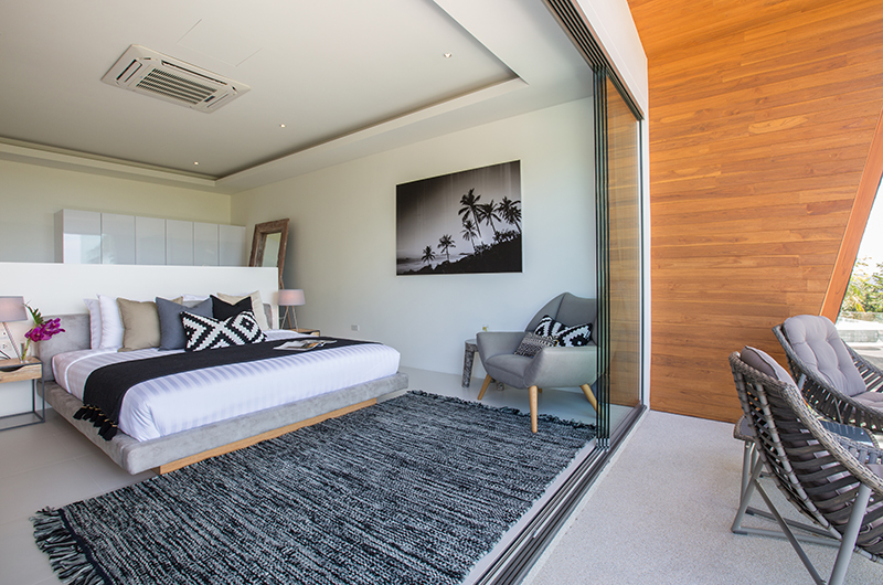 Azure Waters Bedroom One with Seating | Maenam, Koh Samui