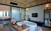 Lily Beach Resort Bathroom Area | South Ari Atoll, Maldives