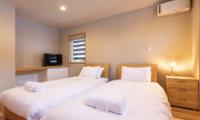 Casi 67 West Twin Bedroom with TV | Hirafu, Niseko