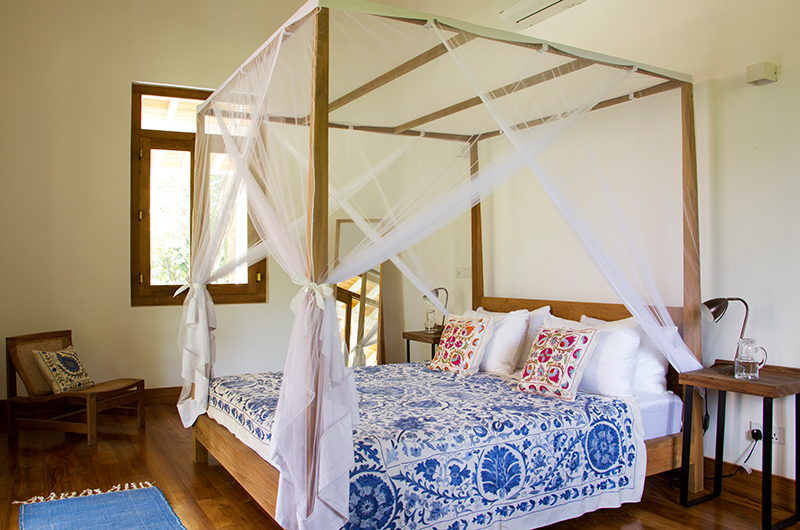 Boundary House Bedroom with Lamp | Galle, Sri Lanka