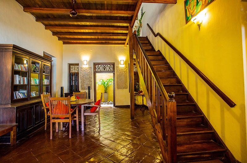 South Point Abbey Dining Table   Galle, Sri Lanka