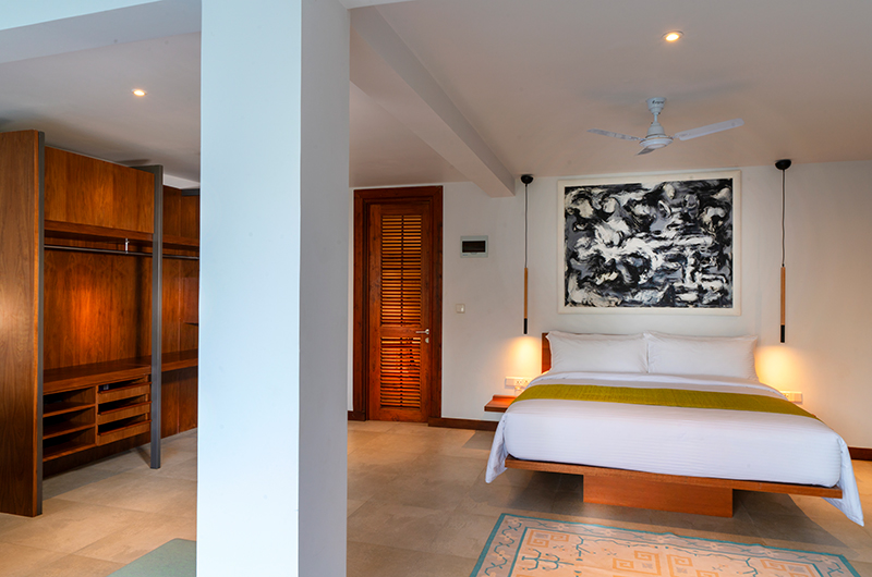 Villa Sielen Diva Mayil Bedroom with Lamps | Talpe, Sri Lanka