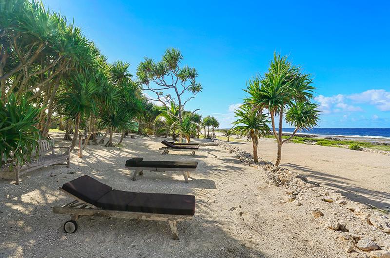 Villa Sarangkita Sun Beds | Efate, Vanuatu