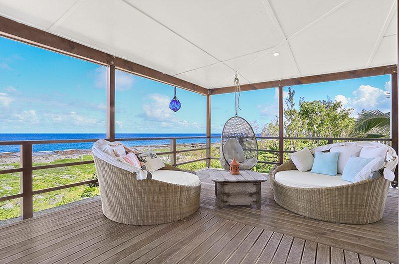 Villa Senang Masari Seating | Efate, Vanuatu