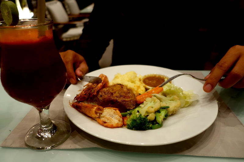 Bali Seminyak Villa Kubu Dinner