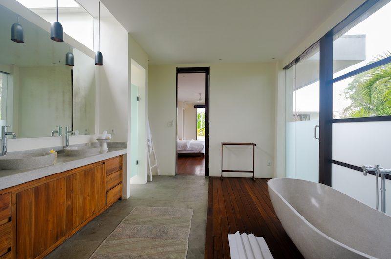 Umah Tenang Bathtub   Seseh, Bali