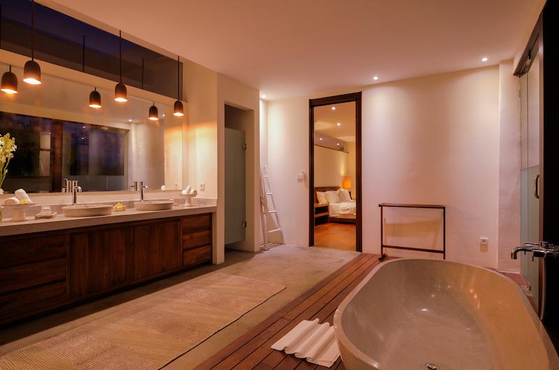 Umah Tenang Bathroom   Seseh, Bali