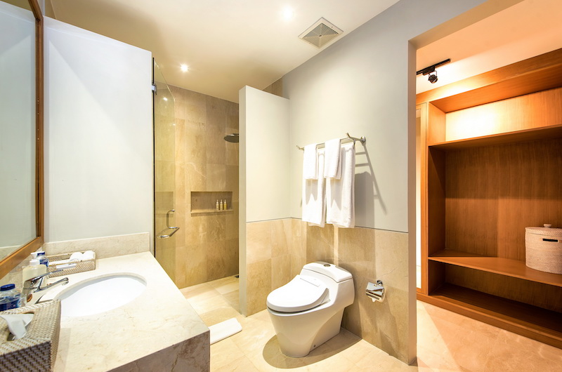 Villa Anahit Bathroom One | Ungasan, Bali