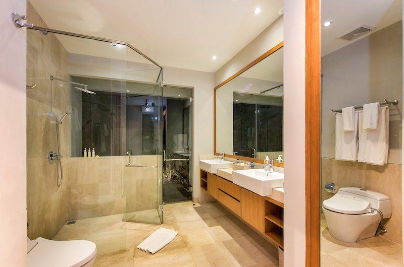 Villa Anahit Shower Area | Ungasan, Bali
