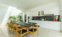 Villa Bianca Canggu Dining Table | Canggu, Bali