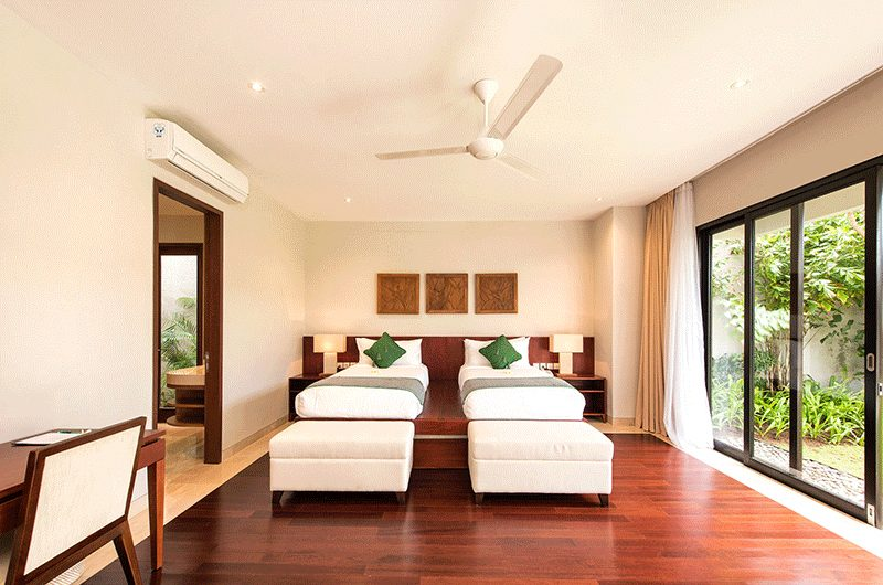 Villa Feronia Twin Bedroom with Study Table | Ungasan, Bali