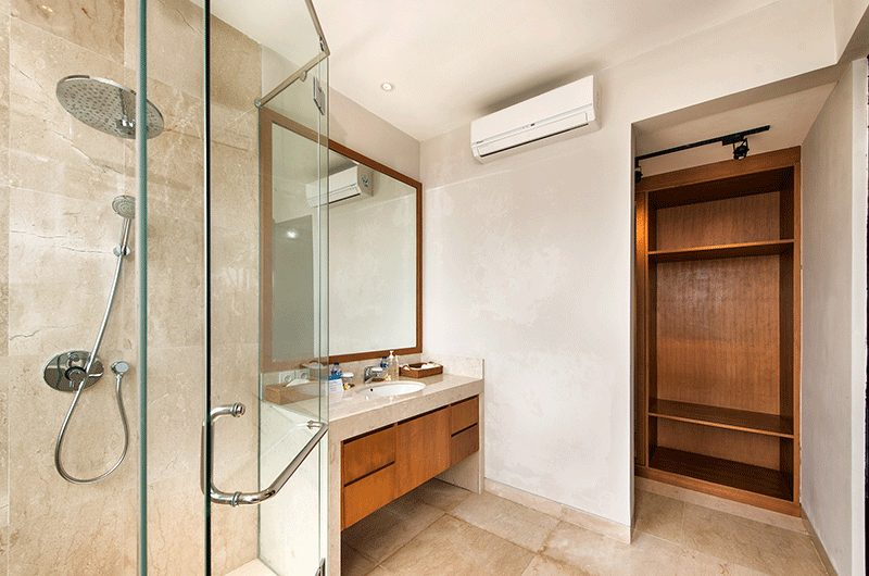 Villa Feronia Shower Area | Ungasan, Bali