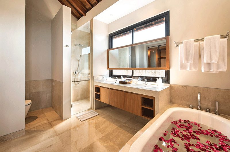 Villa Feronia Bathroom Area | Ungasan, Bali
