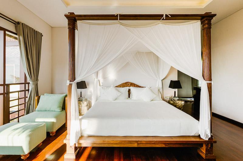 Villa Impian Manis Bedroom One with Lamps | Uluwatu, Bali