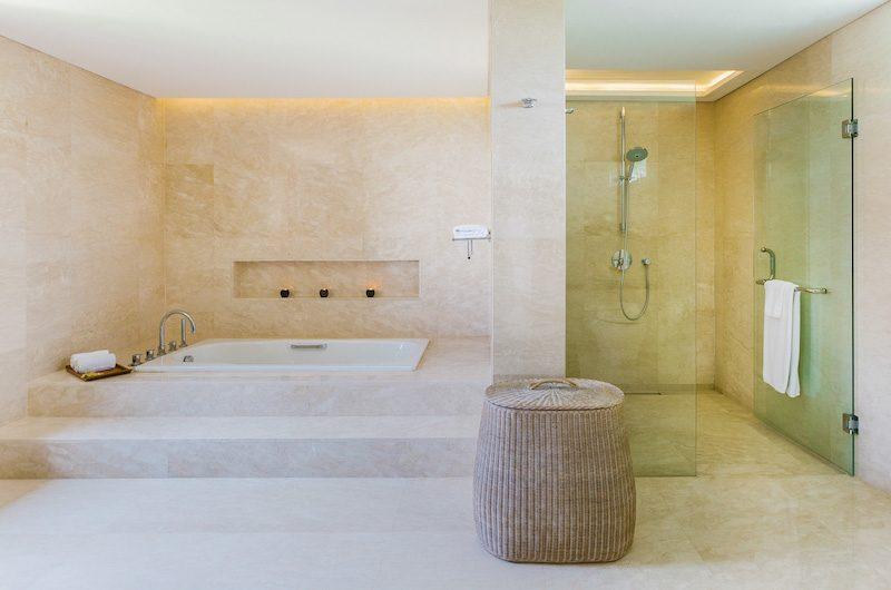 Villa Impian Manis Indoor Bathtub | Uluwatu, Bali