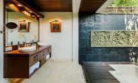 Villa Impian Manis Bathtoom Area | Uluwatu, Bali