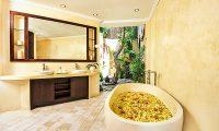 Villa Kubu 4 Bathtub   Seminyak, Bali