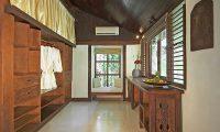Villa Kubu 7 Wardrobe Area | Seminyak, Bali