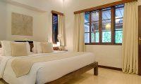 Villa Kubu 8 Bedroom with Lamps | Seminyak, Bali