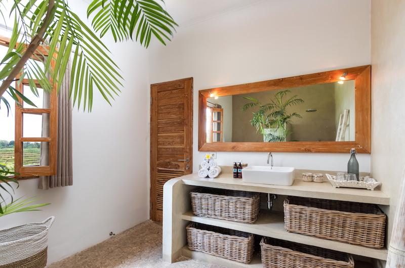 Villa Maya Canggu Bathroom with Mirror | Canggu, Bali