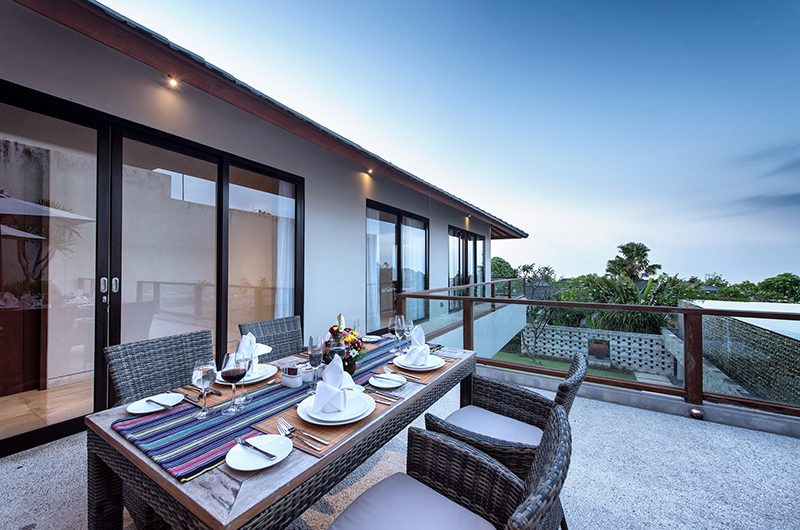 Villa Yamuna Outdoor Dining Area | Ungasan, Bali