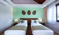 Villa Yamuna Twin Bedroom with Lamps | Ungasan, Bali