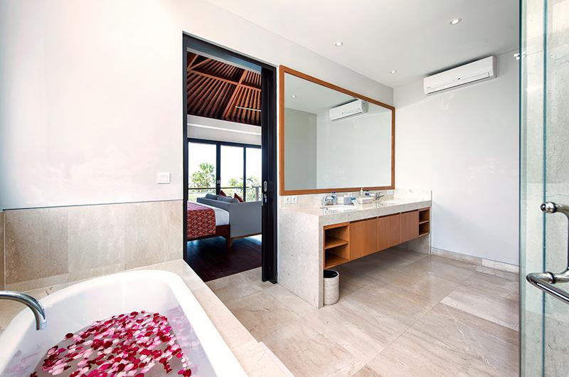 Villa Yamuna Bathtub Area | Ungasan, Bali