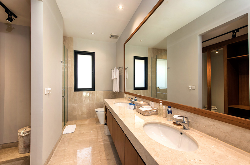 Villa Yamuna Bathroom | Ungasan, Bali
