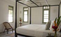 Wijaya Giri Bedroom with Seating | Koggala, Sri Lanka