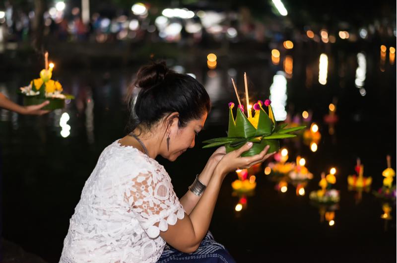 Thailand Loi Krathong Woman