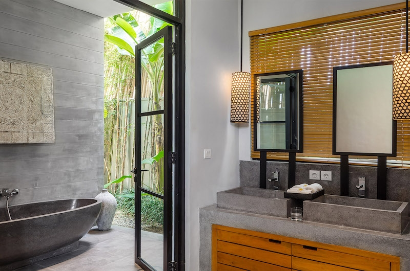 Canggu Beachside Villas Villa Gu Bathroom | Canggu, Bali